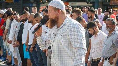 Der-salafistische-Prediger-Pierre-Vogel-6-