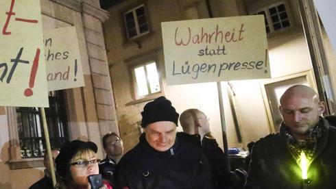 Luegenpresse-ist-Unwort-des-Jahres-2014_ArticleWide