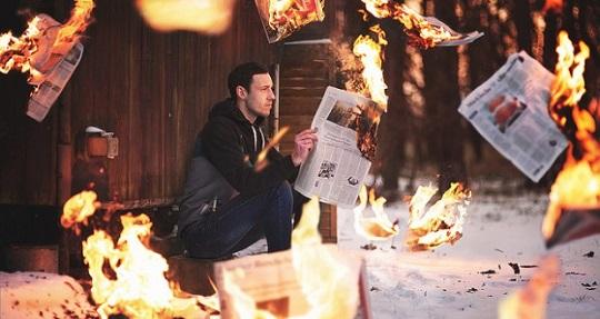 Zeitung-Feuer-620x330