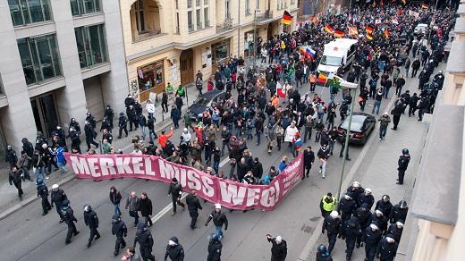 berlin_demo_das_merkel_muss_weg